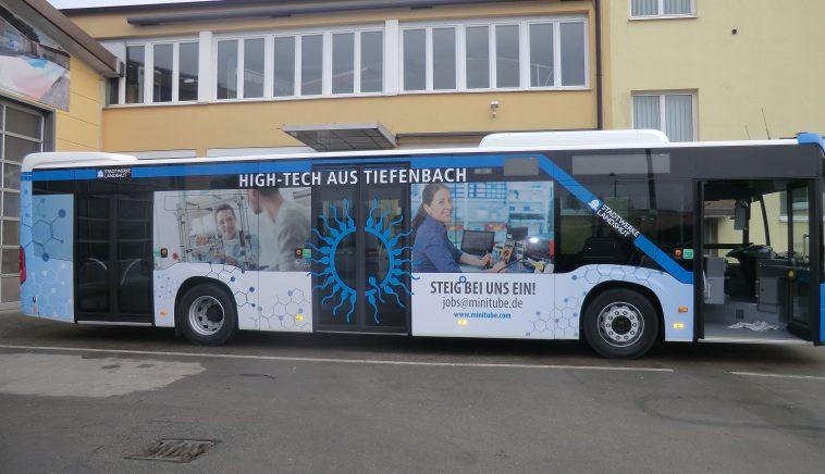 Bus Vollverklebung mit digital bedruckter Folie